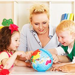 Дошкольное образование в контексте внедрения и реализации ФГОС  дошкольного образования для младшего воспитателя